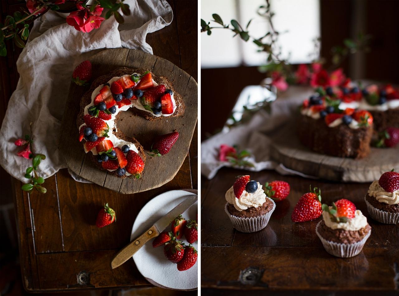 Čokoládové muffiny a bábovka s kokosovým krémem